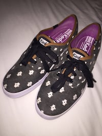 Less women's sneakers size 8 new