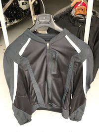 black and gray zip-up jacket Langley, V1M