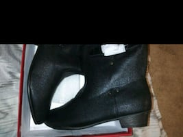 Woman  boots size 8