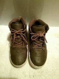 Kids brown leather OP tennis shoes size 3