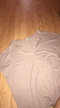 Urban outfitters Oversized sweater size small Toronto, M4Y 1L4