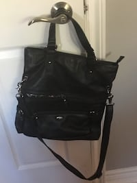 black leather 2-way handbag Niagara Falls, L2H 2W7