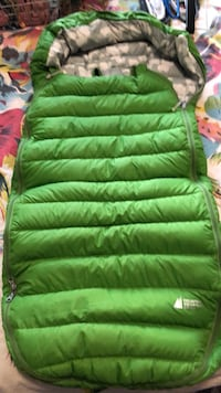 green and white zip-up bubble vest Toronto, M6H 2P4