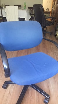 blue and black rolling armchair Dundas, L9H 6Z7