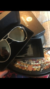 Versace glasses with everything bape louis gucci supreme Los Angeles, 91303