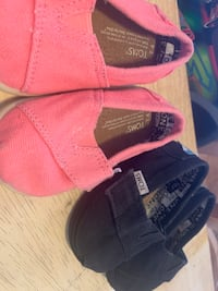 2 Pairs of Toddler Toms  Bakersfield, 93313