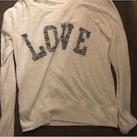 white and black Pink by Victoria's Secret sweater 43 km