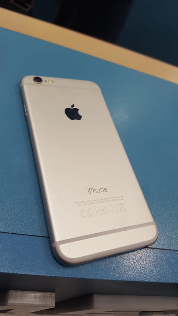 iPhone 6 16 GB  0