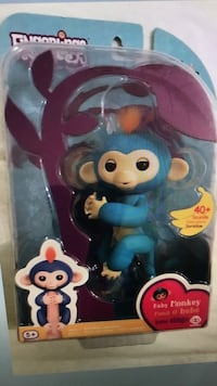 Brand new authentic Fingerlings with gift receipt Boris