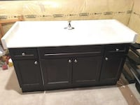 Washroom Vanity in Maple, Sink, tap, Countertop - MUST PICK UP Pickering