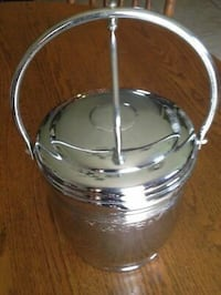 VINTAGE UNITED CHROMIUM ON SOLID BRASS HINGED ICE BUCKET WITH LID & GLASS LINER null