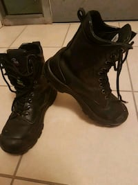 Size 8 construction boots Langley Township, V4W 3L4