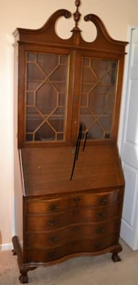 Vintage secretary cabinet with key in good condition Chaptico, 20621