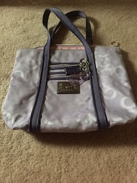 Purple coach hand bag Edmonton, T5X 5V8