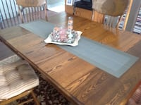 Antique dining table and chairs Ottawa, K1T 4H8