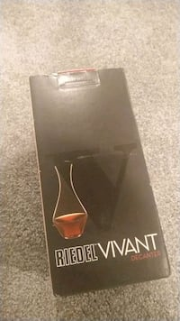 Crystal wine decanter by riedel Boyds, 20841