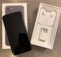 * Nice iPhone 7 32gb - Matte Black - Unlocked $340 539 km