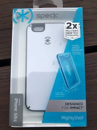 white Speck iPhone case in box Bronson, 32621