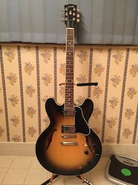 Gibson Custom Shop ES330 w/ Case, Immaculate condition.