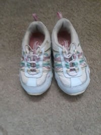 Toddler girl size 6.5 sneakers  Wrightsville, 17368