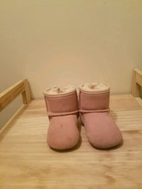 pink girl uggs  Randallstown