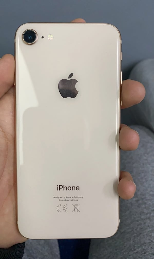 Apple iphone 8 acill!!! 27b72d57-66cb-4ae1-871e-b0f4194901a4