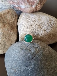 HANDMADE 925 STERLING SILVER SKOTA MINE EMERALD STONE RING - SIZE 5.5 Burlington, L7L 7J4