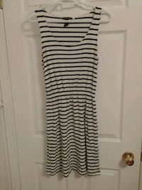 Size S - H&M basic striped dress