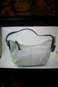 Small white coach purse Mesa, 85210