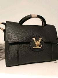 Purse one day Sale only regular be price $2500 Ottawa, K1S