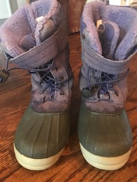 Kids Snow Boots, Size 3 Middleburg, 20117