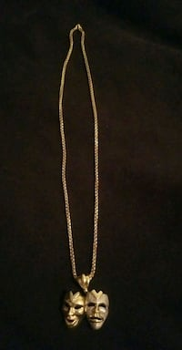10k Italian gold chain and pendant!! Toronto, M4K 1V3