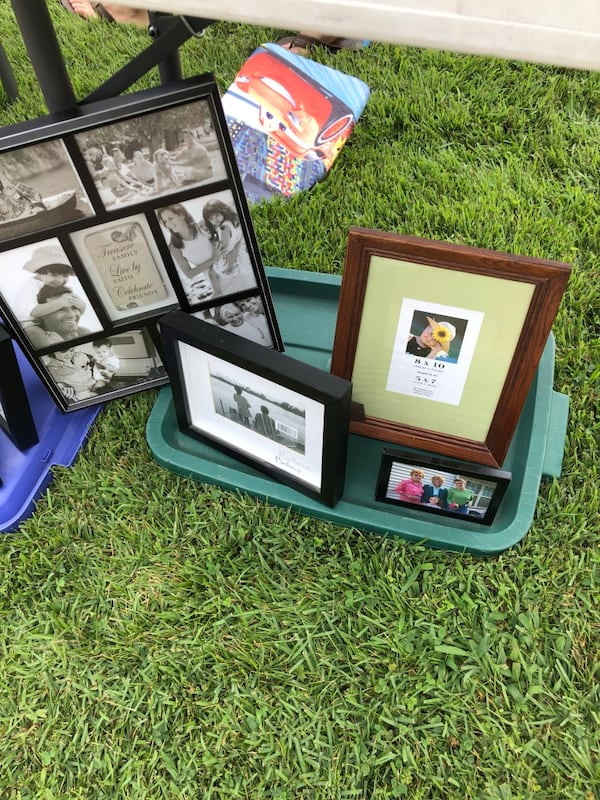 Picture frames lot. Over 60 individuals or entire lot.  11f7b43e-9aaf-4725-ab30-45ac3df95144