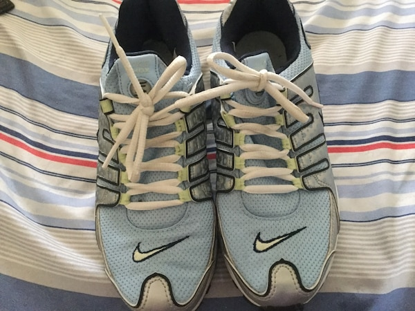 LIKE NEW NIKE SHOCKS 8f3948c9-094a-4f14-95d4-cde42760daf8