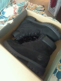 Tim's size 9.5 great condition Chesapeake, 23320