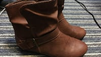 pair of brown leather boots Worcester, 01602
