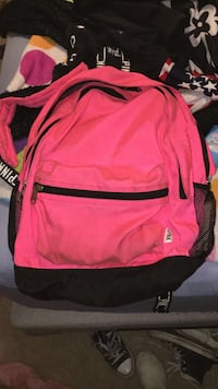 pink and black Nike backpack Valparaiso, 46385