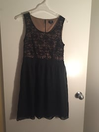 Black short sleeve dress from Reitmans ( Size 6 P) Surrey, V3V 4L6