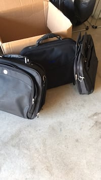 2 dell  laptop bags Omaha, 68135