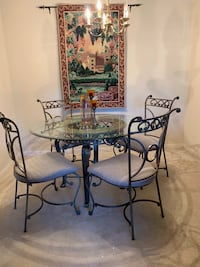 Dining Set with 4 Chairs!