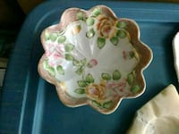 white and green floral ceramic bowl Victorville