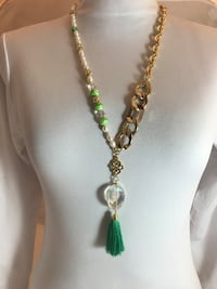 Gold-colored and green beaded necklace Lathrop, 95330