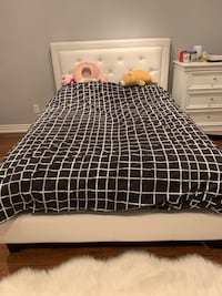 Double bed with mattress  Vaughan, L4K 2T3