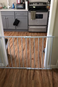 Baby expandable fence went