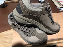 New Balance shoes for women size 9 Good foot support