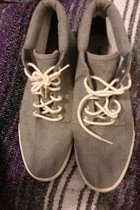 timberland shoes size - 10 and hat  Toronto, M3H 4Y2