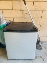 Refrigerator 12 Vdc Or 110 Vac.Use In A Truck, Pop Up Tailor Or A Boat