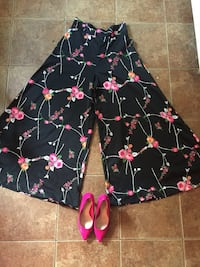 Black and pink floral pants size 8 Halifax, B3M 1E5