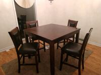 Dining Room set includes 4 chairs. Good Condition! Shepherdstown