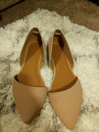 women's pair of brown flats Columbus, 43235